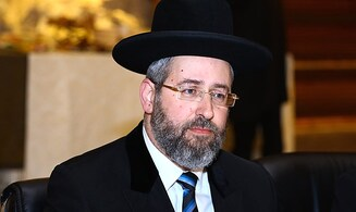 Chief Rabbi rebuts claims he refused to recognize synagogue